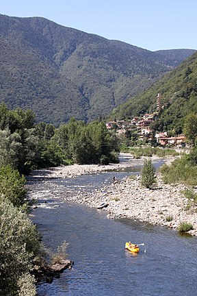 Cannobio - Torrente Cannobino - Looking upstream from SS34 - 1121.jpg