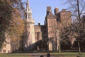 Cardiff castle autumn.jpg