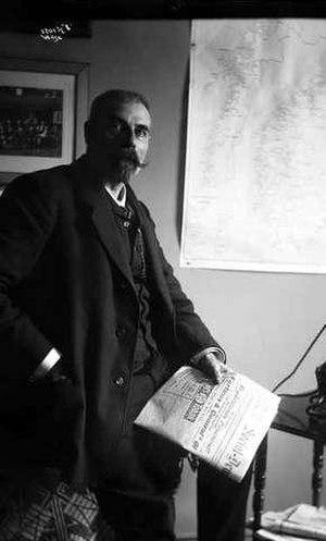 Carl Jeppesen - Jeppesen in 1908 with a copy of Social-Demokraten