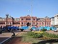 Casa Rosada y Plaza de Mayo con niños escolares 2.JPG