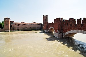 Castelvecchio (Verona) - Castelvecchio and the Castelvecchio Bridge