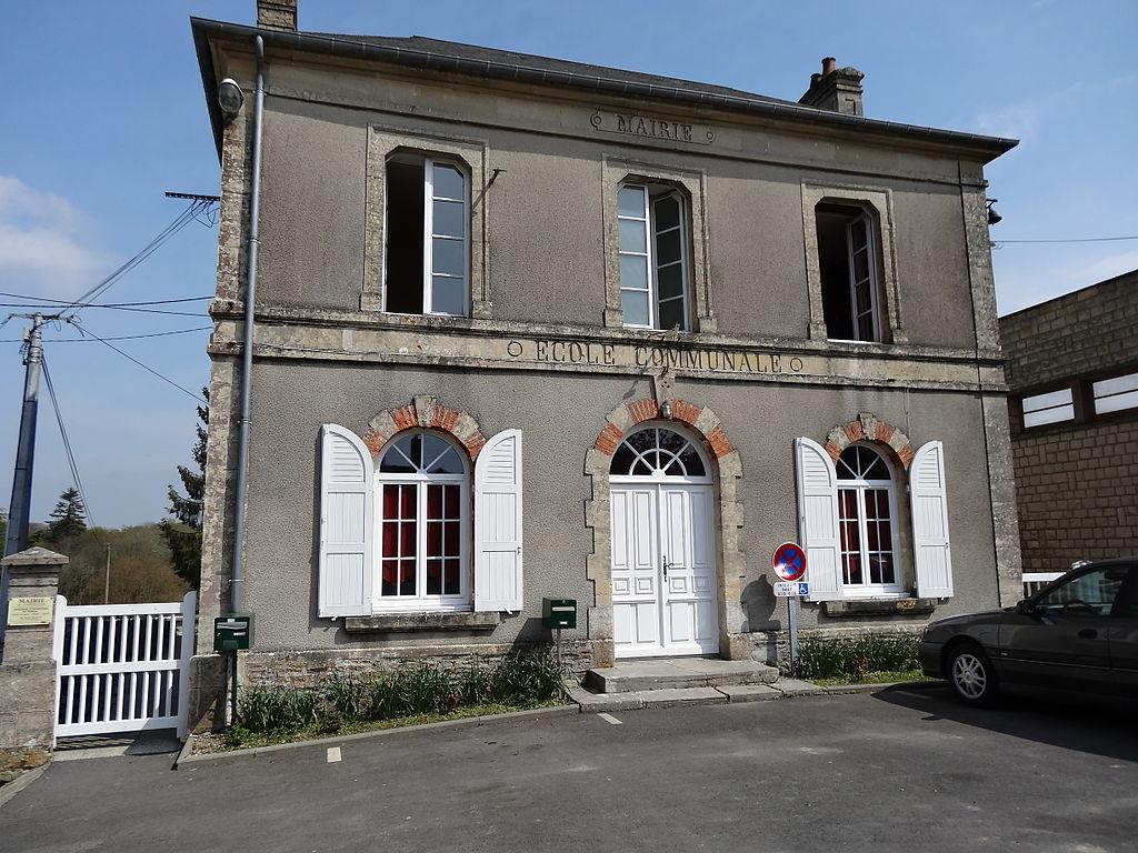 Castillon (Calvados) mairie.JPG