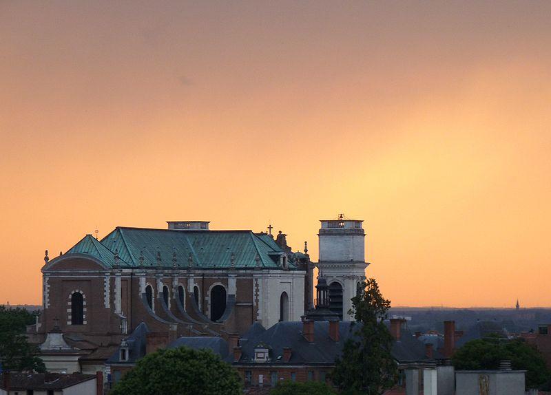 File:Cathédrale Notre-Dame-de-l'Assomption de Montauban au coucher du soleil.JPG