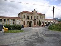 Chénelette (Rhône, Fr) mairie-école.JPG