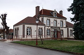 Charmont-sous-Barbuise, mairie.jpg