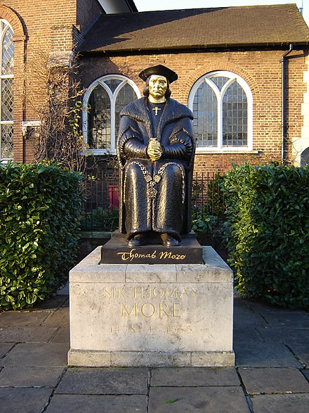 Statue of Thomas More on Cheyne Walk with Chelsea Old Church in the background (2006) Chelsea thomas more statue 1.jpg