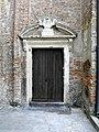 Chiesa di San Francesco, portale laterale (Montagnana).jpg