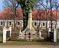 Chrášťany, memorial.jpg