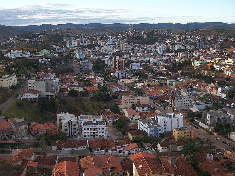 Ficheiro:Cidade de Teofilo Otoni.jpg