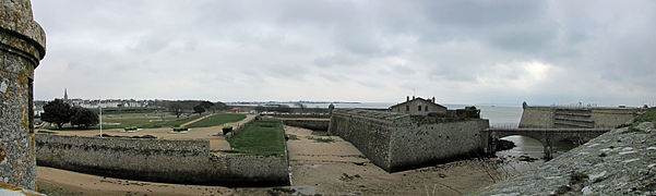 Citadelle de Port-Louis (8) - Structures défensives.jpg
