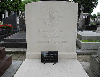 Gisèle Freund - Gisèle Freund's gravestone at Montparnasse Graveyard, Paris.