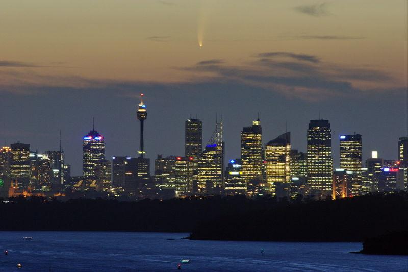 File:Comet mcnaught sydney 2007.jpg