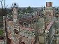 Cowdray ruins 30.jpg
