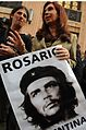Cristina Fernandez con poster Che Guevara.jpg