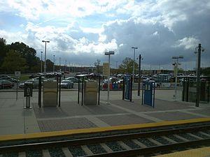 Cromwell station - Cromwell / Glen Burnie station in 2011