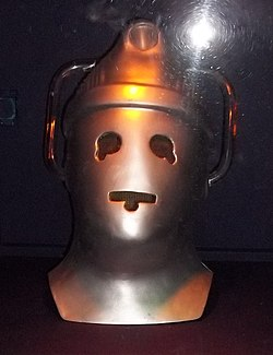 Cyberman Head from The Moonbase (10634663145).jpg