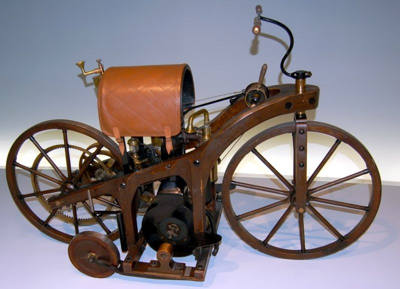Файл:Daimler First Motorcycle.jpg