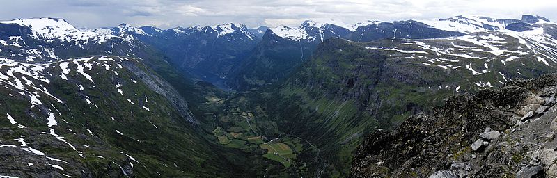 File:Dalsnibba view - panoramio.jpg