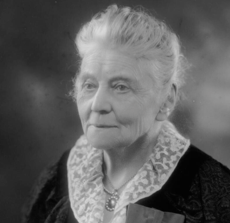 Dame Louisa Lumsden by Bassano (he died 1913).png