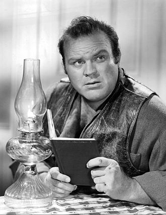 Hoss Cartwright (Dan Blocker) with 19th century home media Dan Blocker Bonanza 1959.jpg
