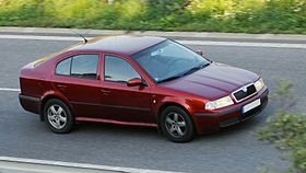 Dark red Škoda Octavia I.JPG