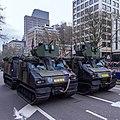 Defilé Korps Mariniers op de Coolsingel te Rotterdam ter ere van het 350 jarig bestaan. (23351010309).jpg