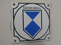 Denkmalzeichen Rathaus Döhlen 2012.JPG
