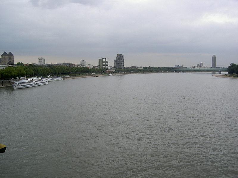 نهر الراين معلومات وصور رائعه.. 799px-Der_Rhein_in_K