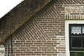 Detail van oud metselwerk van de voorgevel van boerderij - Eursinge - 20412071 - RCE.jpg