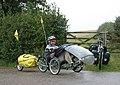 Devon-60-Tourist auf Dreirad im Regen-2004-gje.jpg