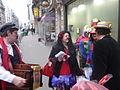 Diffusion de tracts costumée pour annoncer le Carnaval de Paris 2010 - P1100149.JPG