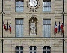 Dijon - Palais des ducs - Minerve.jpg