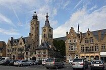 Diksmuide stadhuis, belfort, St Niclaas.jpg
