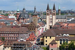 Kilansdom og rådhuset i Würzburg.