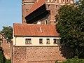 Domek przy zamku w Olsztynie.jpg