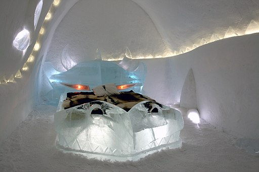 Dragon icehotel