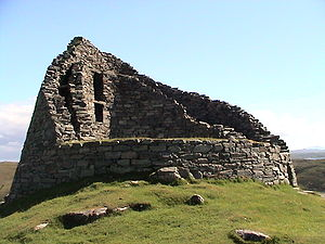 Timeline of prehistoric Scotland - The ruins of Dun Carloway Iron Age broch
