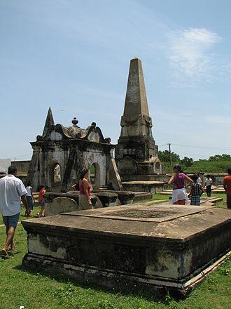 Pulicat Lake - Image: Dutch cemetery in pulicat town
