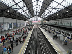 Earl's Court tube stn District high westbound 2012.JPG