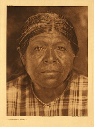 Yokuts - Chukchansi Yokuts woman, photo by Edward Curtis, 1924