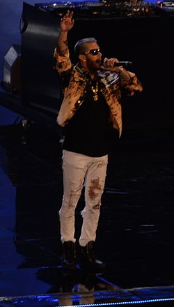 Emis Killa @ Wind Music Awards 2016 11 (cropped2).jpg