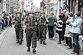 Engelse verklede soldaten deden mee met de parade bevrijdingsfestival Brielle.jpg