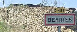 Entrée dans Beyries.jpg