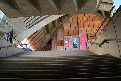 Escaleras interiores del teatro de la ópera de Sydney