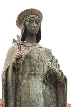 Mumadona Dias - Statue of Mumadona in Guimarães