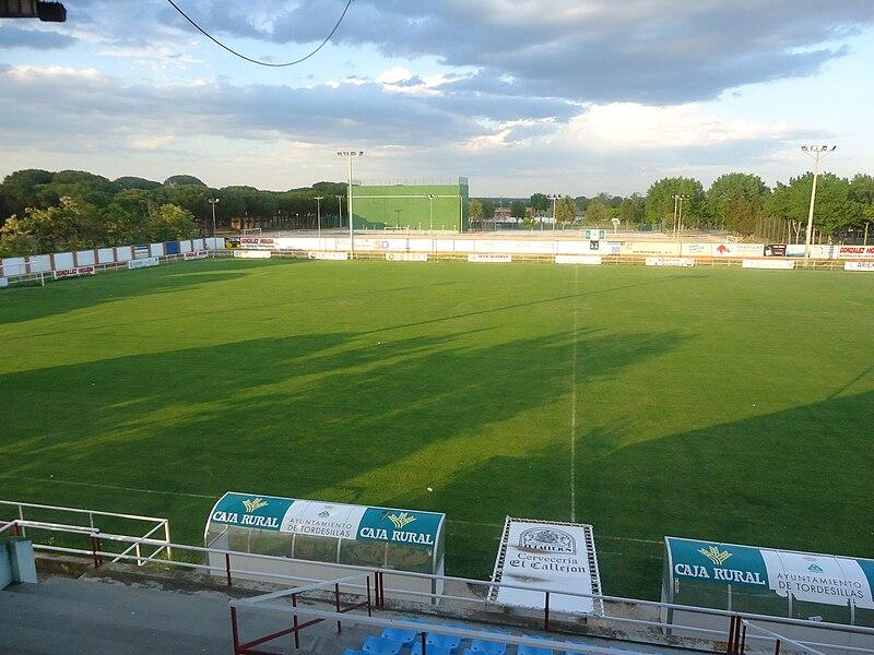 File:Estadio Las Salinas.jpg