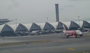 Exterior of Suvarnabhumi International Airport P1110876.JPG