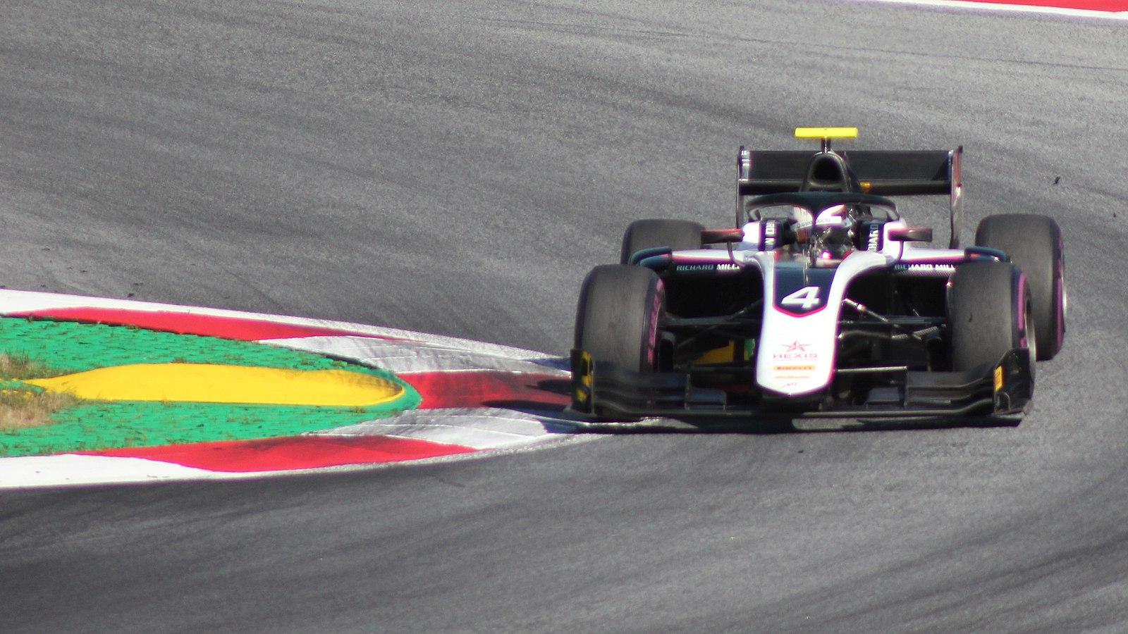 Nyck de Vries werd eindelijk gekroond tot kampioen in de Formule 2. in F2: Chasing The Dream komt de Nederlander uitgebreid aan het woord.