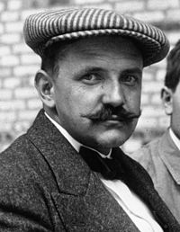Fernand Gabriel at the 1914 French Grand Prix (cropped).jpg