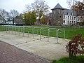 Fietsenstalling Park van Buizingen achterkant jeughuis eenders.jpg